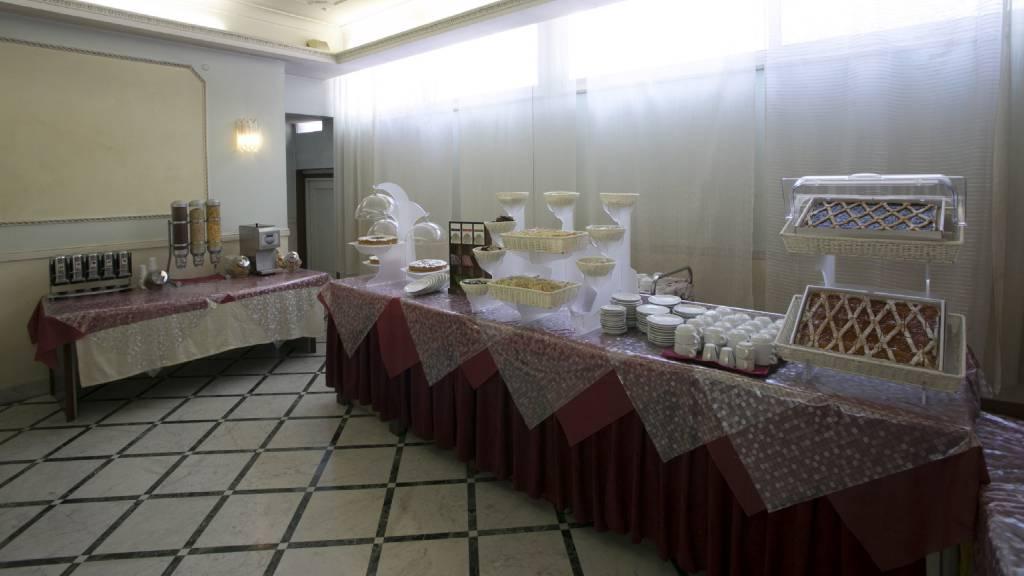Hotel-Romulus-buffet-7897-17
