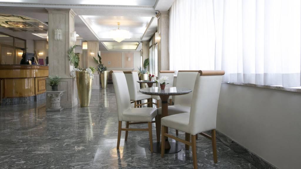 Hotel-Romulus-hall-7932