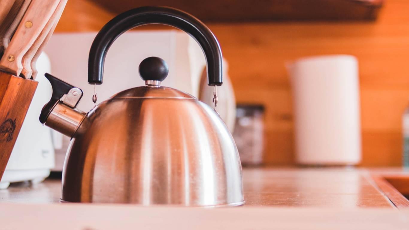 Hotel-Romulus-kettle