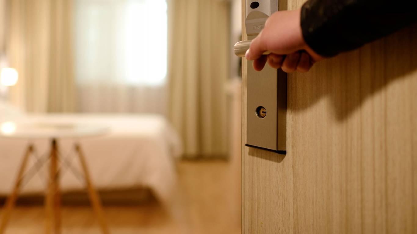 Hotel-Romulus-checkout