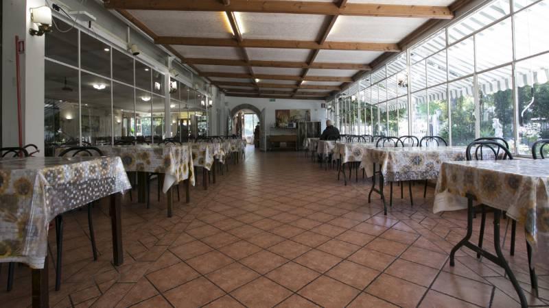 Hotel-Romulus-dining-room-7853-12